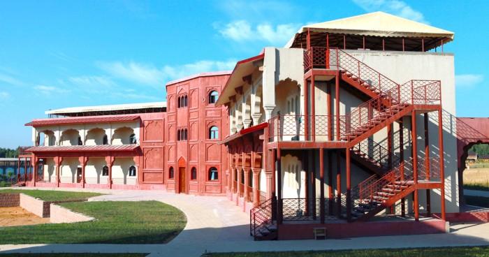 Этномир – этнографический парк-музей